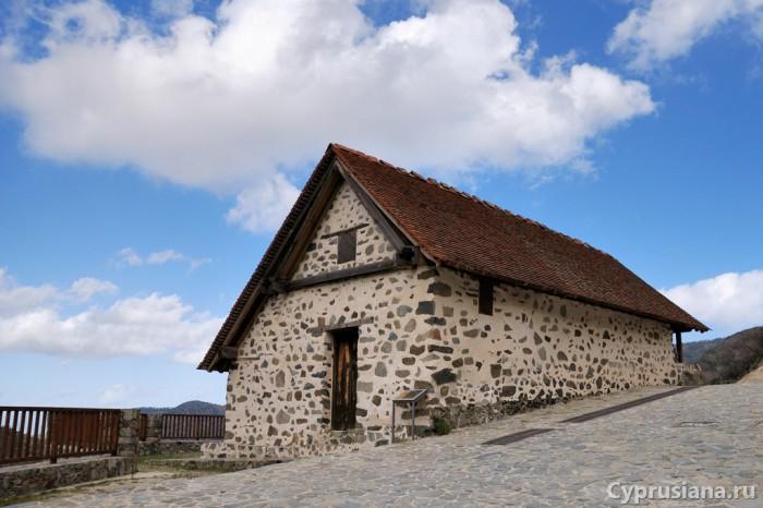 Церковь Пресвятой Богородицы Мутуллас