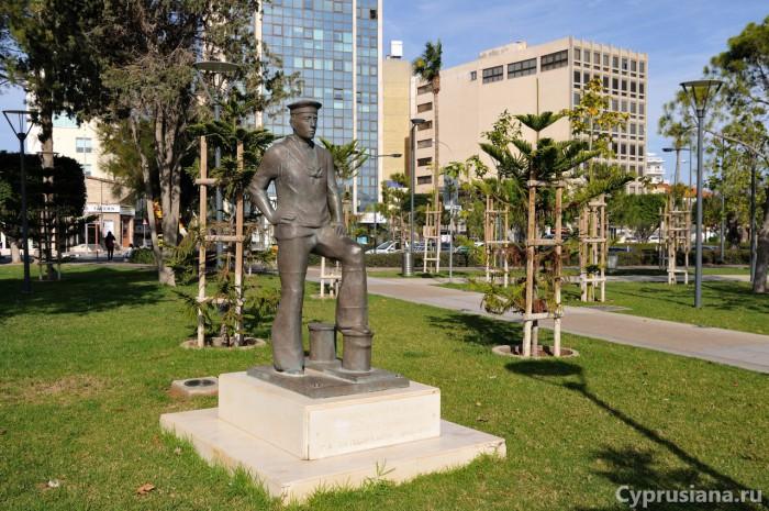 Памятник матросу