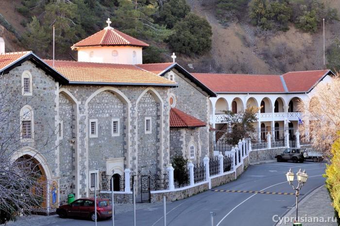 Монастырь Киккос. Вид с северной стороны