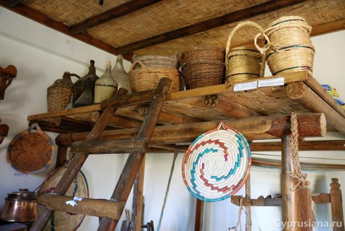 Музей деревенского быта в ботаническом парке