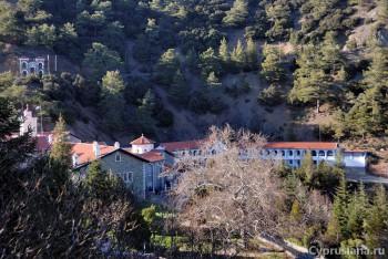 Вид на монастырь Киккос