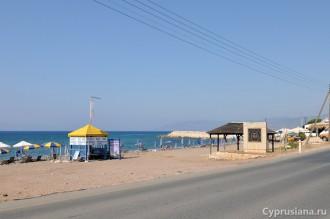 Пляж в Лачи