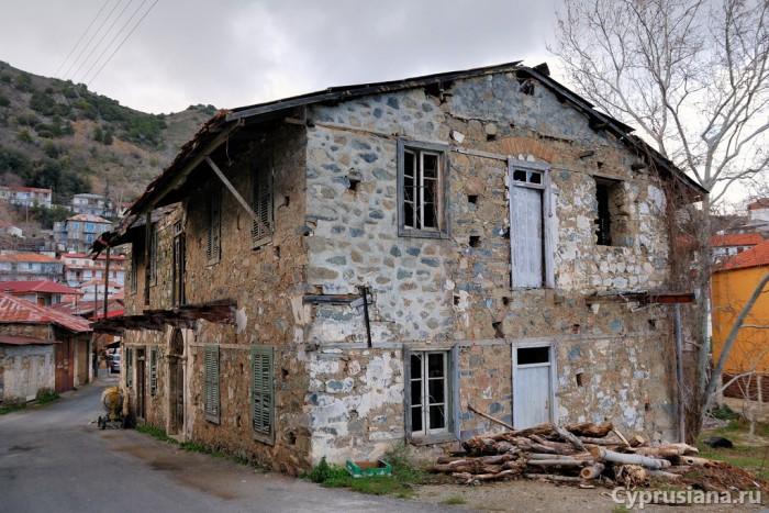 Старый домик в деревне