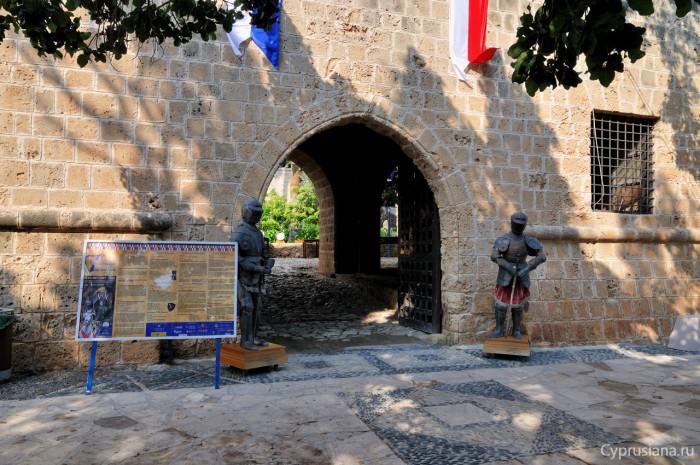 Средневековый фестиваль в монастыре Айа Напа