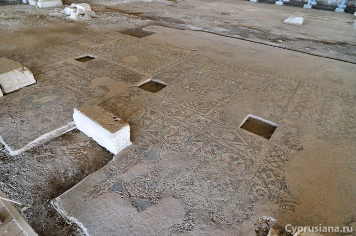 Мозаики в базилике