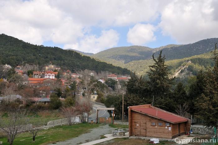 Вид на Платрес