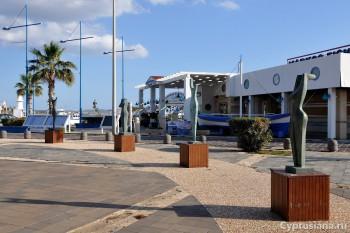 Площадь перед гаванью
