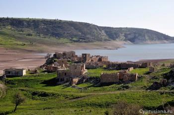 Вид на деревню Foinikas