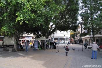 Площадь Свободы и Ледра