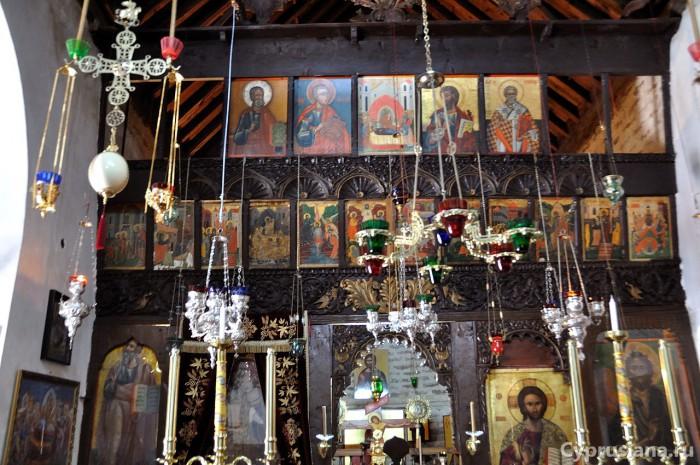 Иконостас в церкви монастыря Богородицы Трикукиотиссы