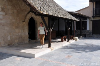 На выходе из церкви