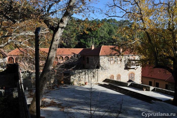 Вид на монастырь Иоанна Крестителя