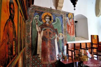 Фрески в храме
