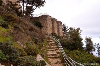 Восхождение к замку
