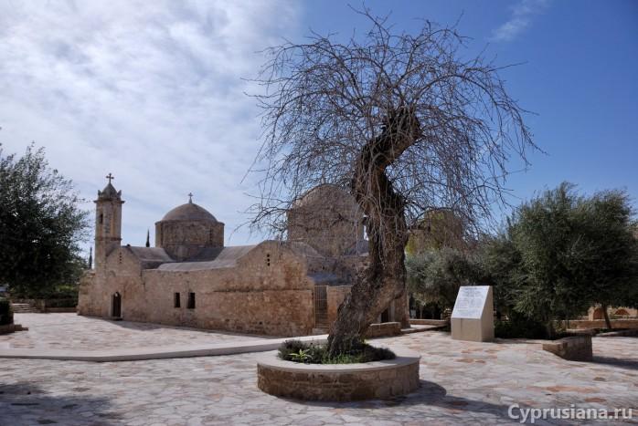 Церковь Панагии Хриселеусы в Эмпе