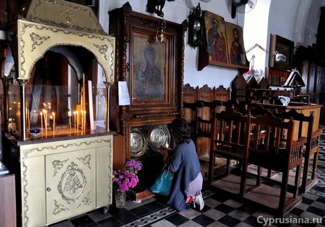 В церкви деревни Ланья