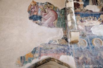 Остатки композиции «Успение» и латинский прелат у ложа Богоматери