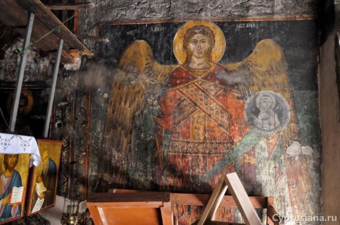 Архангел Михаил. 1510-е годы. Роспись ниши в южной стене в церкви св. Николая в Галатария