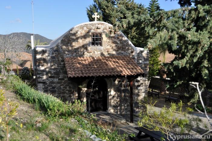 Церковь Богородицы Амиру