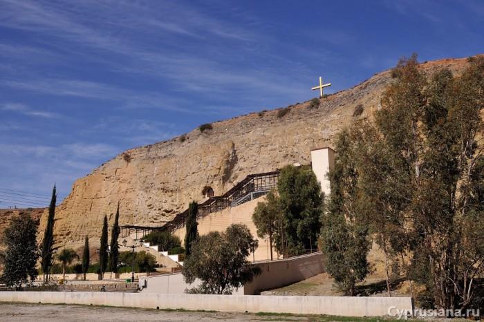 Церковь Богородицы Хрисоспилиотиссы