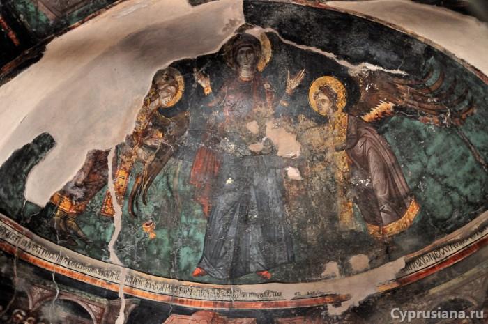 Дева Мария и Архангелы Михаил и Гавриил