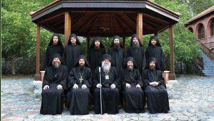 Монахи монастыря
