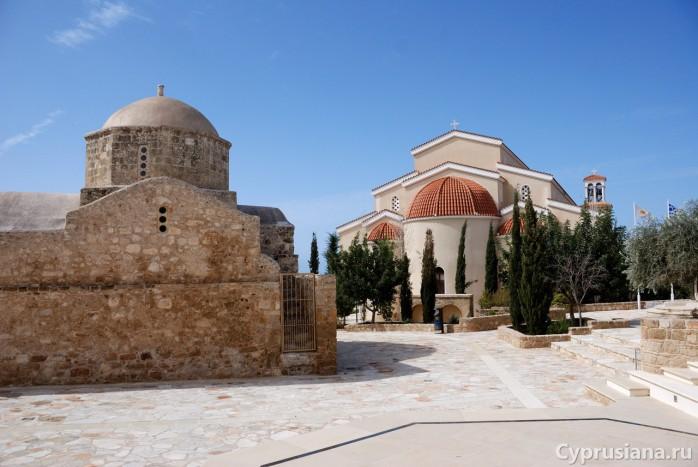 Две церкви в Эмбе