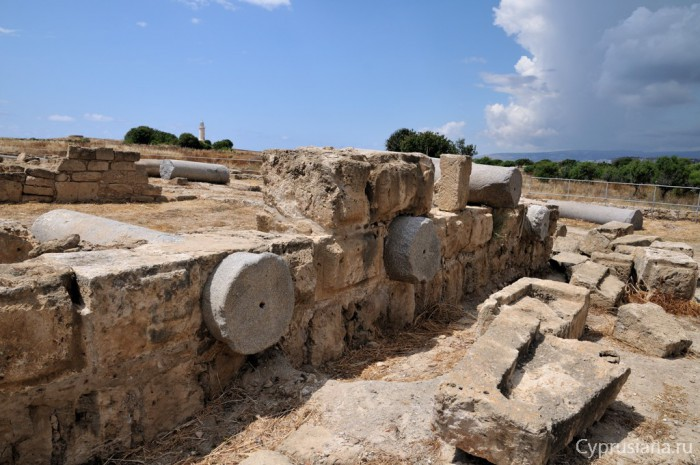Руины замка Саранда Колонес