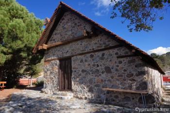 Церковь в деревне