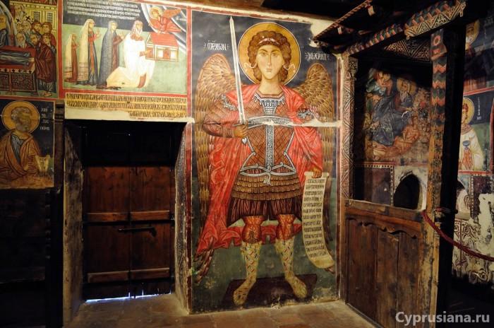 Фреска с изображением Архангела Михаила